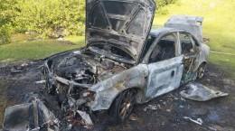 masina incendiata valea moasei1
