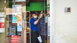 sibiu termoscaner temperatura magazin supermarket carrefour coronavirus (39)