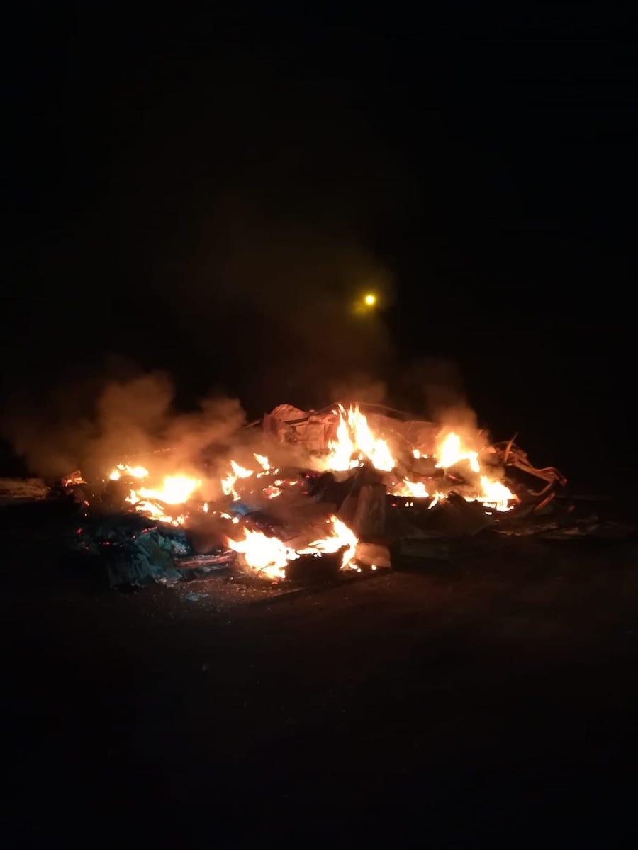 Incendiu la un container cu deșeuri de cauciuc, din Copșa Mică. A izbucnit de la un chibrit
