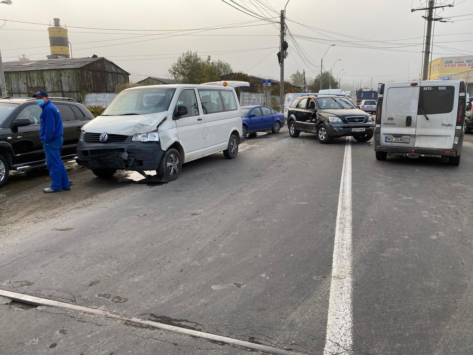 Accident cu două microbuze implicate, în județul Sibiu