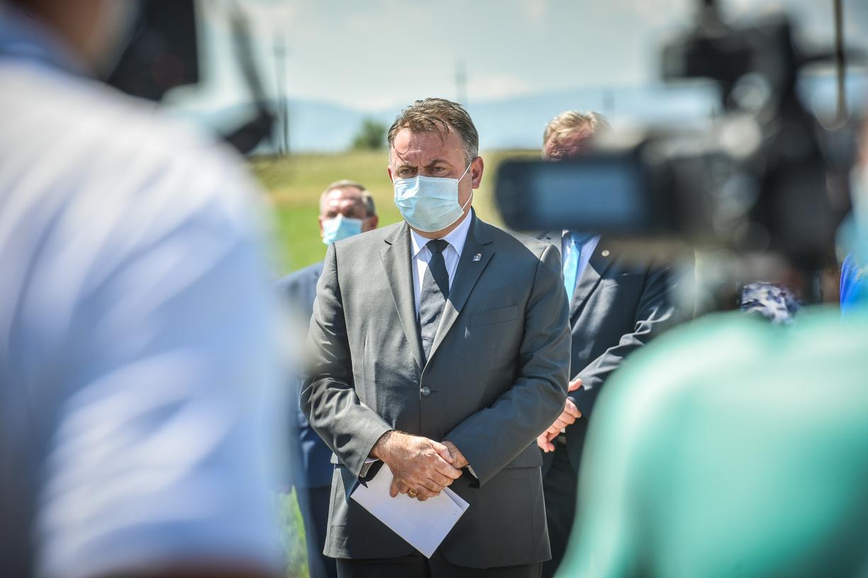 Tătaru: Dacă s-ar respecta regulile, în două-trei săptămâni s-ar putea vedea o estompare a creşterii numărului de cazuri