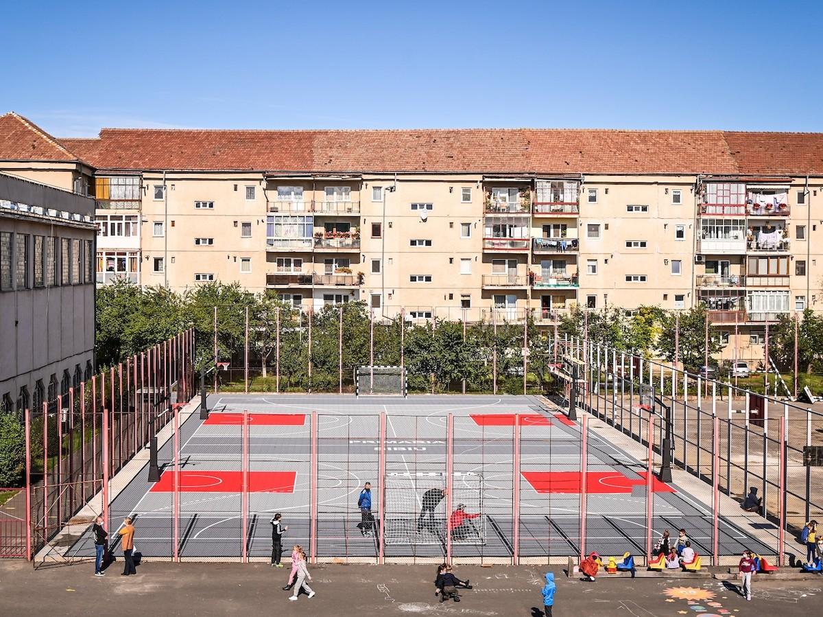 Primăria Sibiu: Teren modern pentru handbal și baschet la Liceul Onisifor Ghibu
