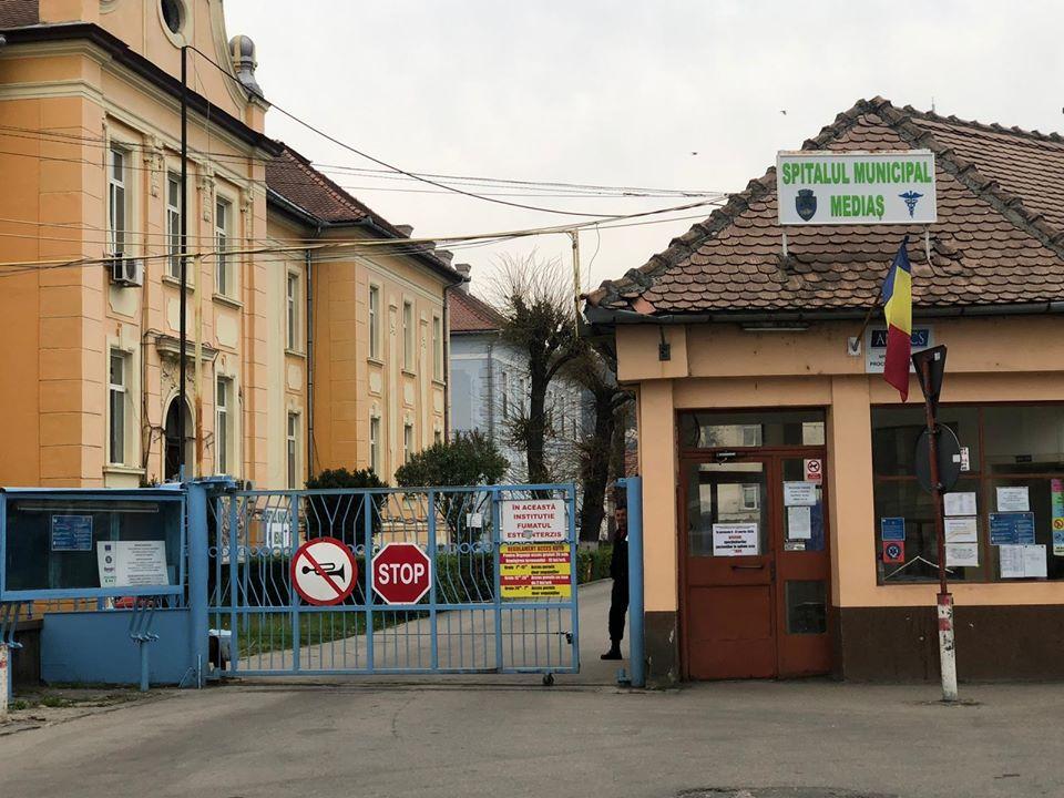Un pacient COVID a decedat la Spitalul din Mediaș așteptând să se elibereze un loc la ATI