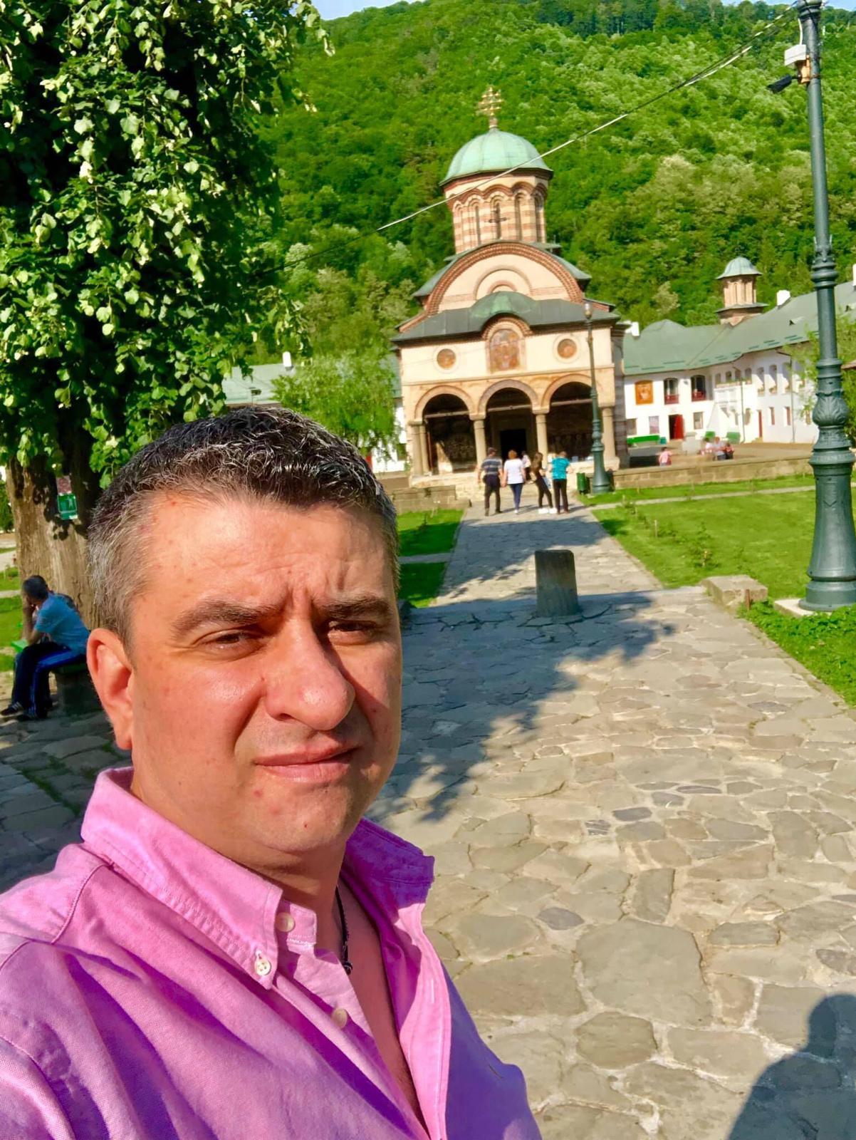 Omul de afaceri Cristian Marinescu a donat IPJ Sibiu 5000 de măști de protecție