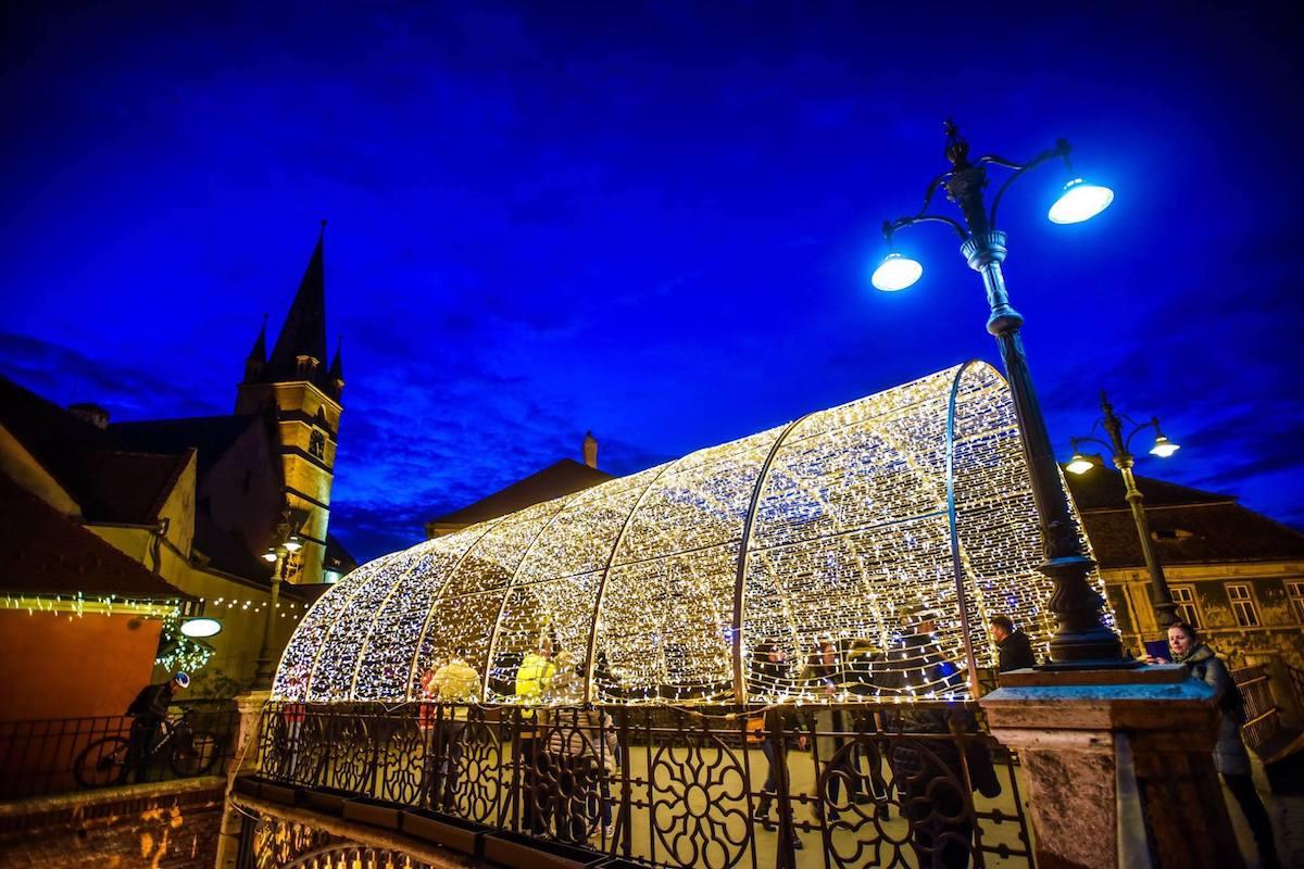 Primăria Sibiu: Sibiul se îmbracă pentru sărbătorile de iarnă