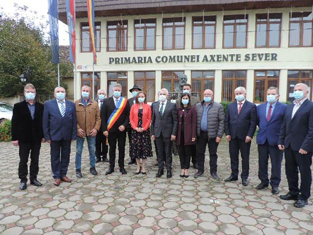 Primarul Marius Grecu și consilierii locali ai comunei Axente Sever au depus jurământul