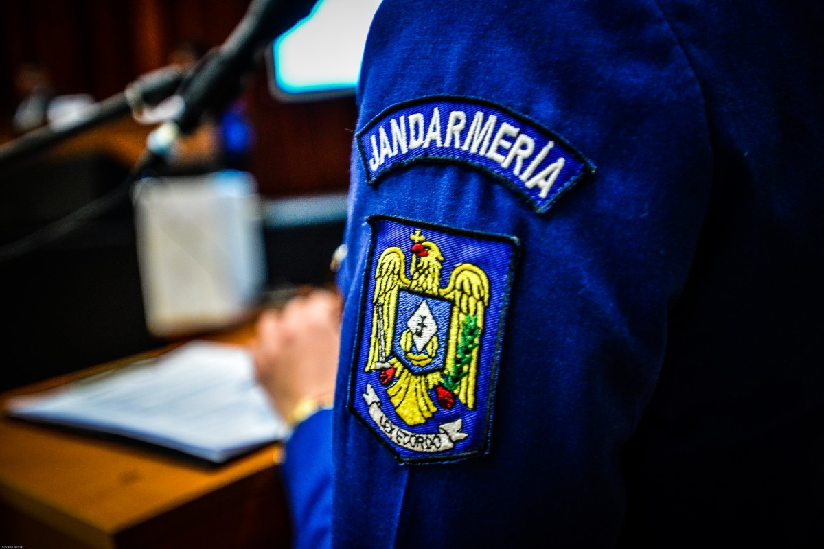 """Un jandarm sibian de 43 de ani a murit după ce s-a infectat cu SARS CoV-2. Căpitanul Ionuț Câmpean scria pe facebook: """"Este o luptă groaznică. Protejați-vă cât puteți"""""""