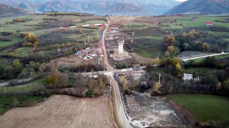 VIDEO - Noi imagini cu șantierul autostrăzii Sibiu-Boița. Au început lucrările la viaduct