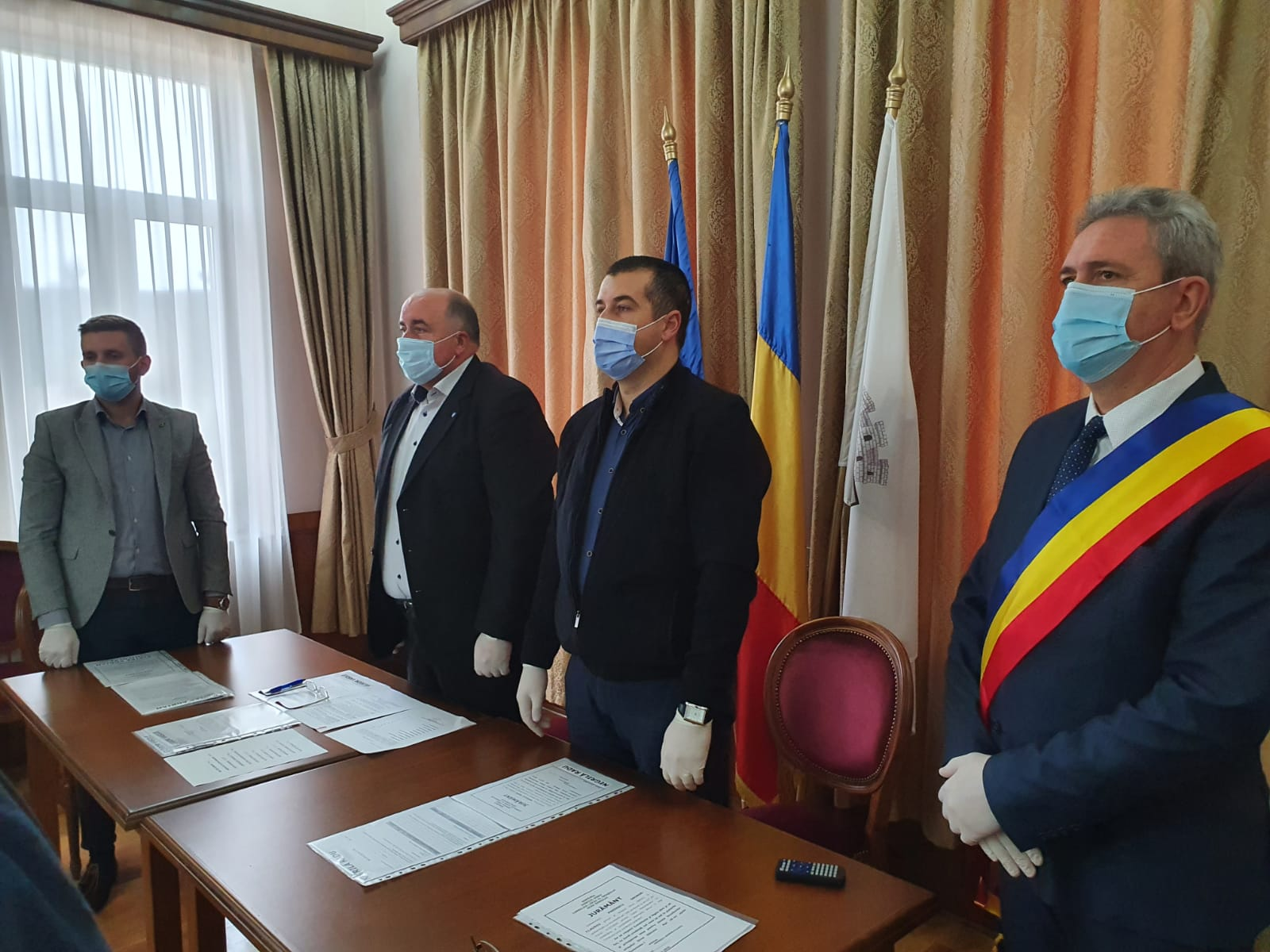 Primarul George-Claudiu Predescu și consilierii locali din Ocna Sibiului au depus jurământul