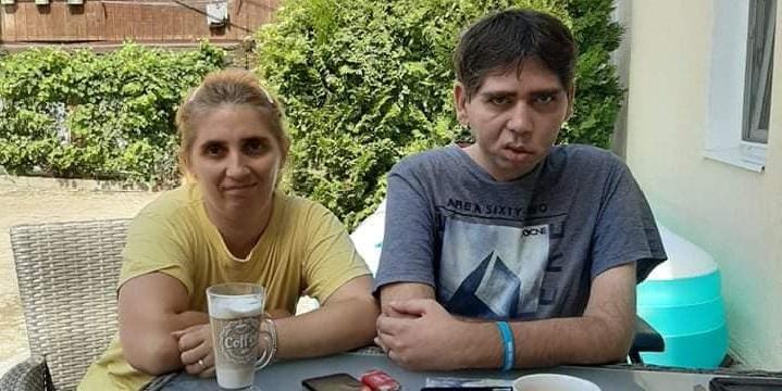 Două persoane cu handicap au inițiat o campanie umanitară pentru a-și ajuta colegii