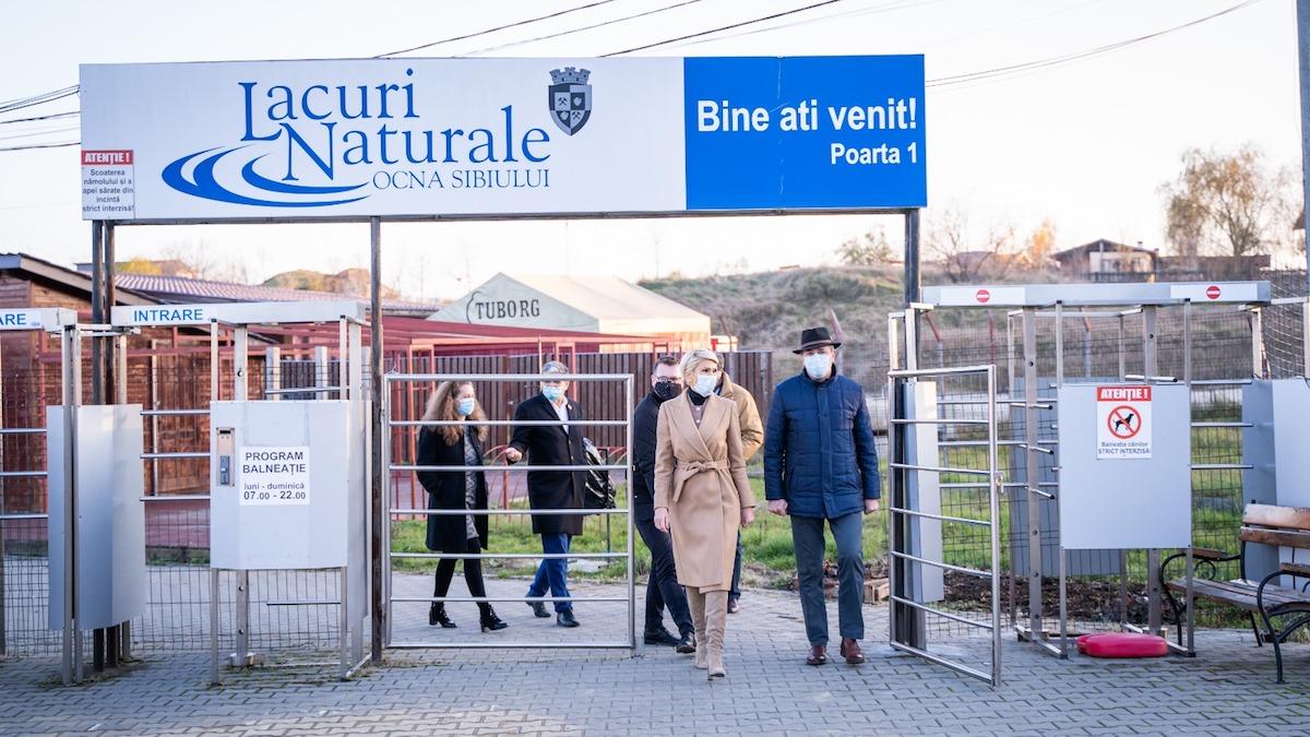 Vicepremierul Raluca Turcan și Ministrul Fondurilor Europene Marcel Boloș, vizită la Ocna Sibiului