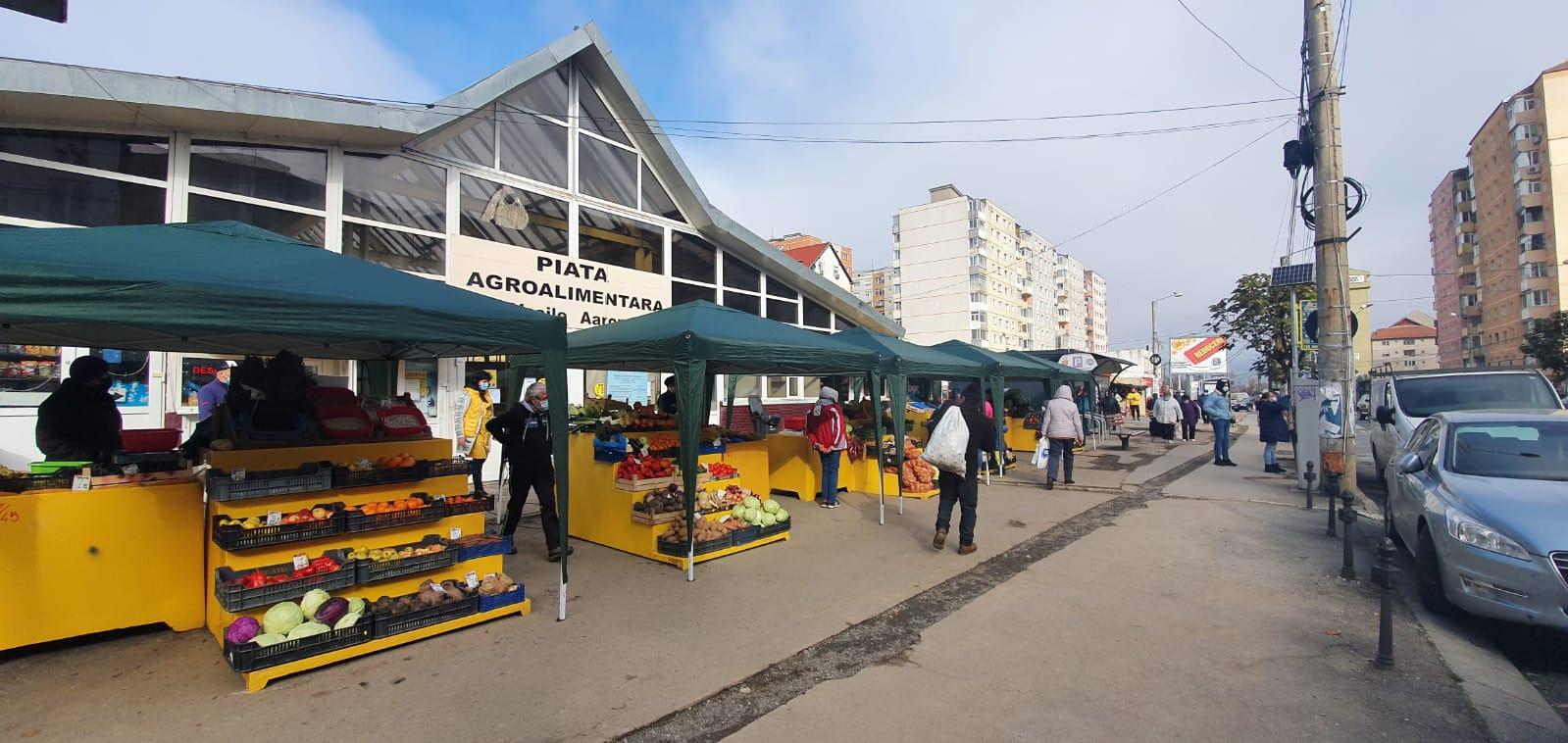 """Supărare mare în piața din Vasile Aaron: """"Al dracu' cine mai merge la vot!"""""""
