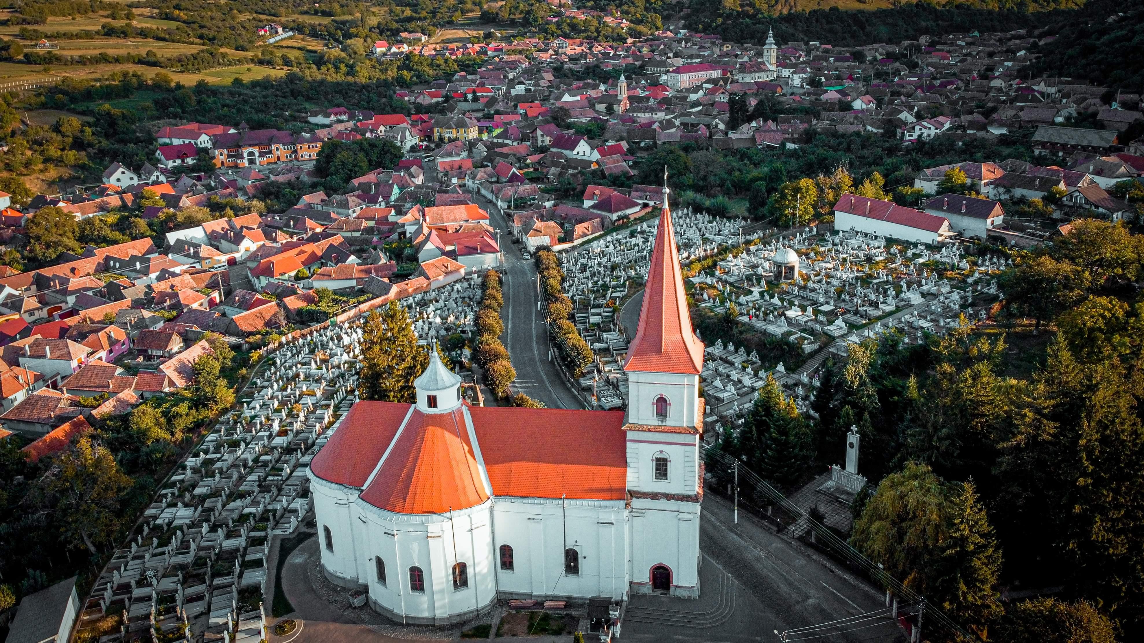 Ruta turistică Poarta Transilvaniei trece prin Sibiu. Ce poți face șase zile în județ