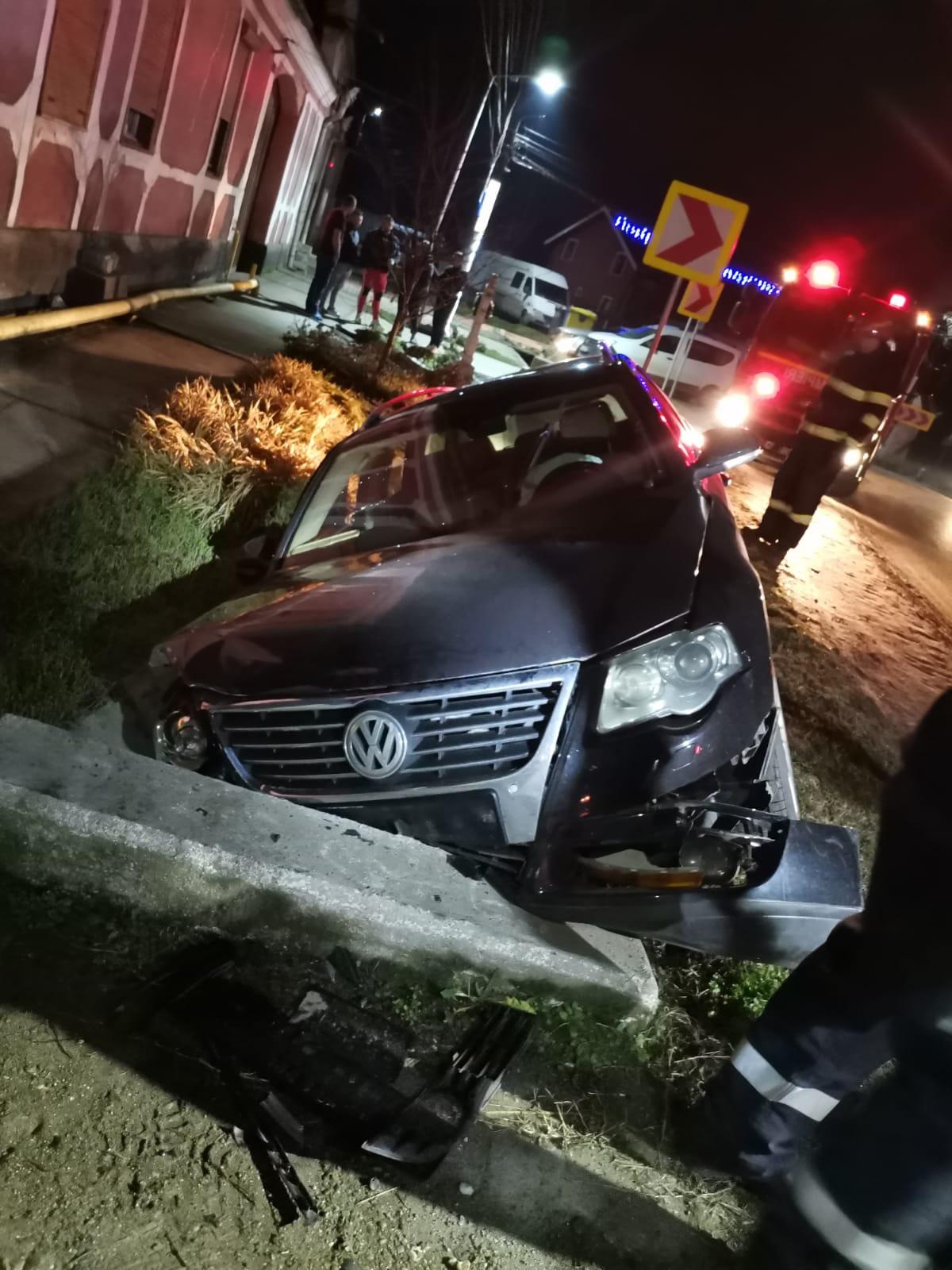 A intrat cu mașina în șanț, pe DN 14. Șoferul a refuzat testarea cu aparatul etilotest