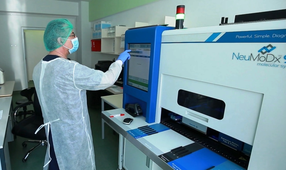 """VIDEO Spitalul Județean consumă cam un milion de euro pe lună pentru Covid-19. Pentru laboratoare, """"mai încercați"""""""