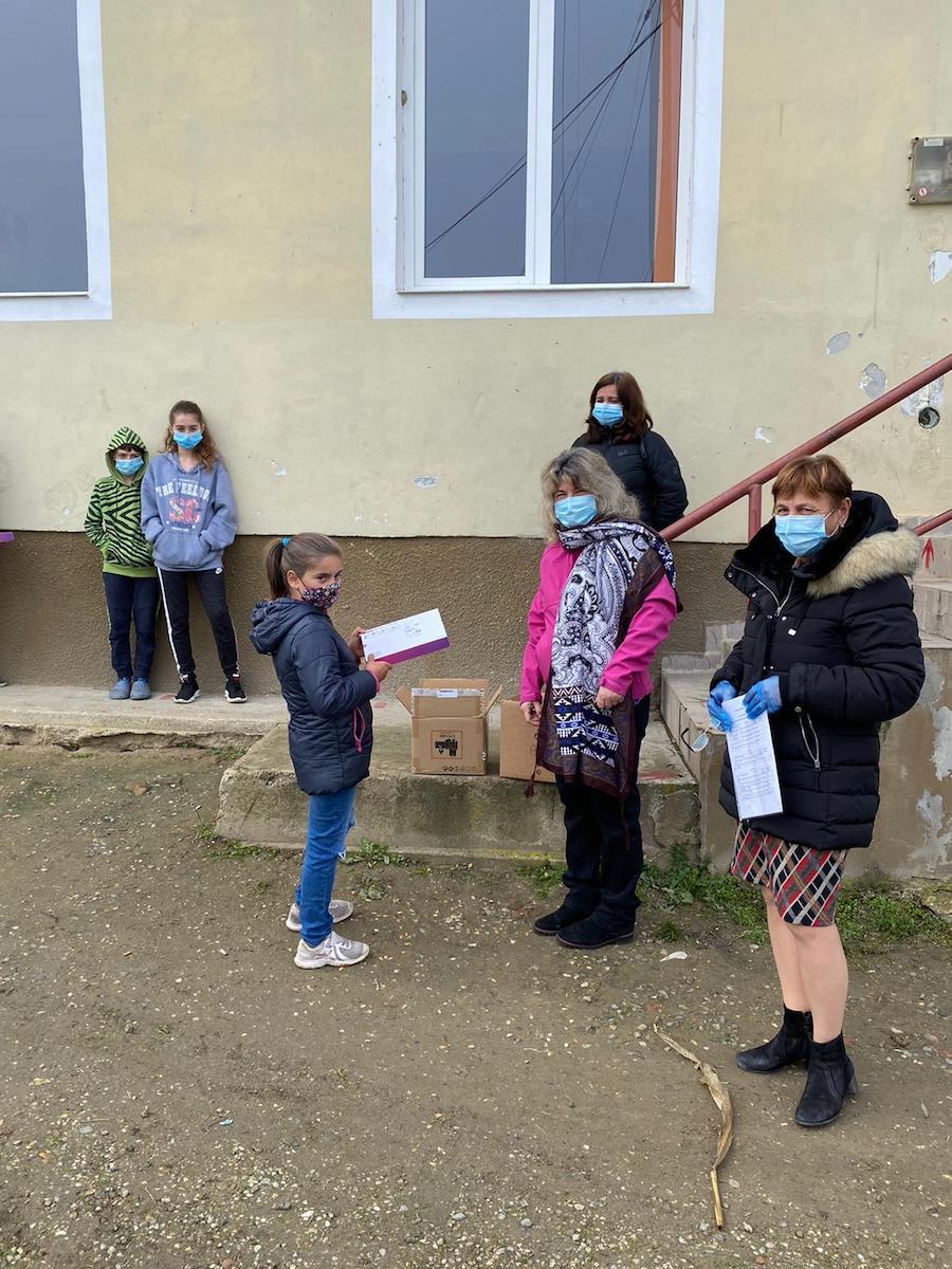 Primăria comunei Loamneș, mesaj de mulțumire către două firme care au donat tablete pentru școlari