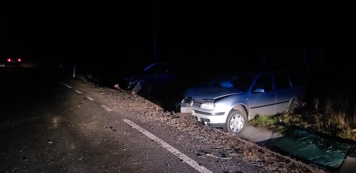 Bărbat rănit într-un accident pe DN14. Un șofer a intrat pe contrasens, din cauza vitezei