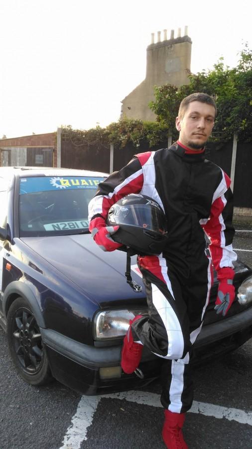 Pasiunea învinge limitele. Povestea lui Alexandru Cărbune, un tânăr împătimit de automobilism sportiv