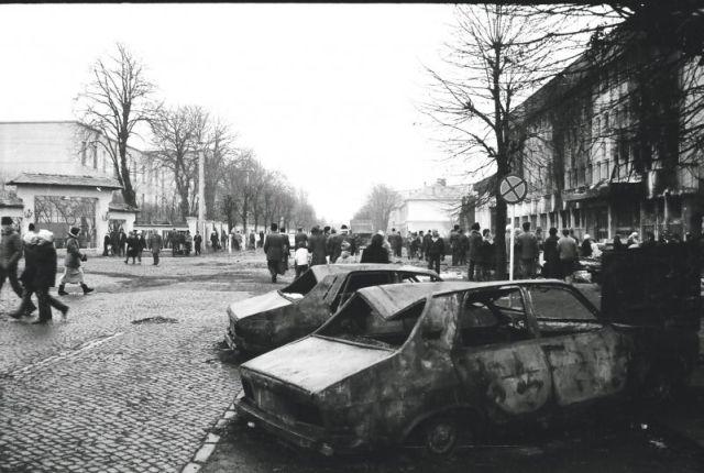 """Expoziție de fotografie în Piața Mare. """"1989 – un an ce nu trebuie uitat"""""""
