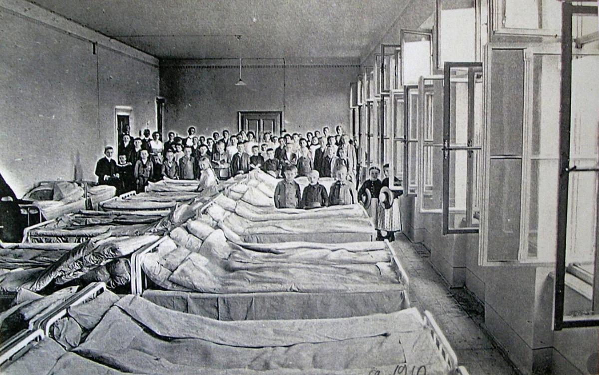 """Sănătatea de acum 100 de ani. Erau spitale, dar """"păduchii îi mâncau pe soldați"""""""