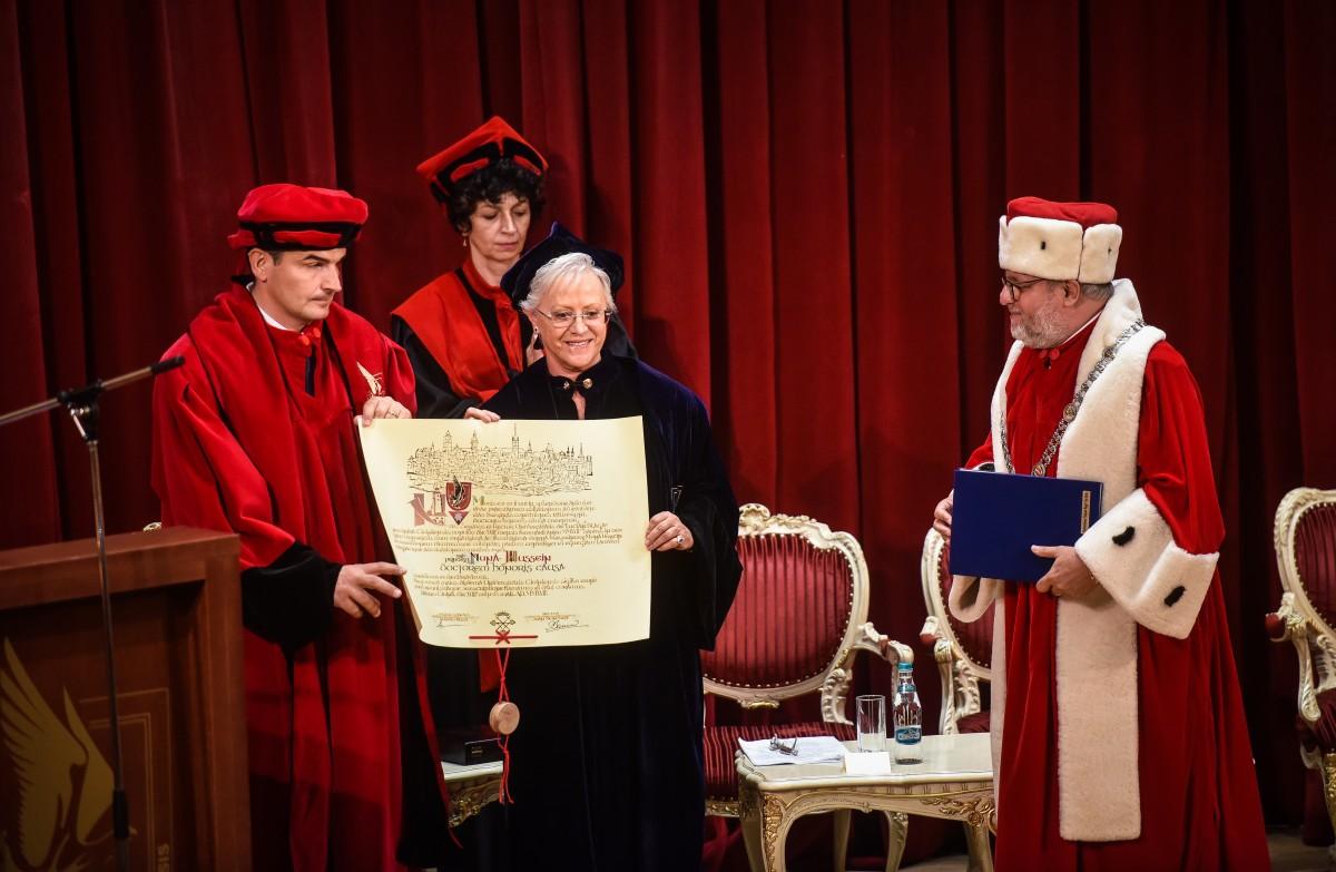 Eveniment regal internațional la Universitate. Principesa Iordaniei, distinsă cu titlul Doctor Honoris Causa în prezența Casei Regale a României | Foto și video