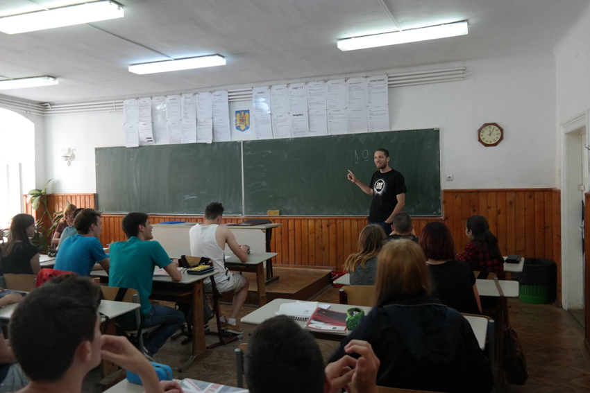 Liceeniidin Sibiu care se pregătesc de BAC pot face cursuri de pregătire la Matematică. Unde și când se organizează