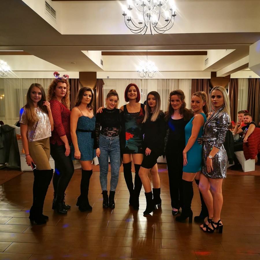 Micile afaceri: Două tinere au înființat un club de Twerking la Sibiu