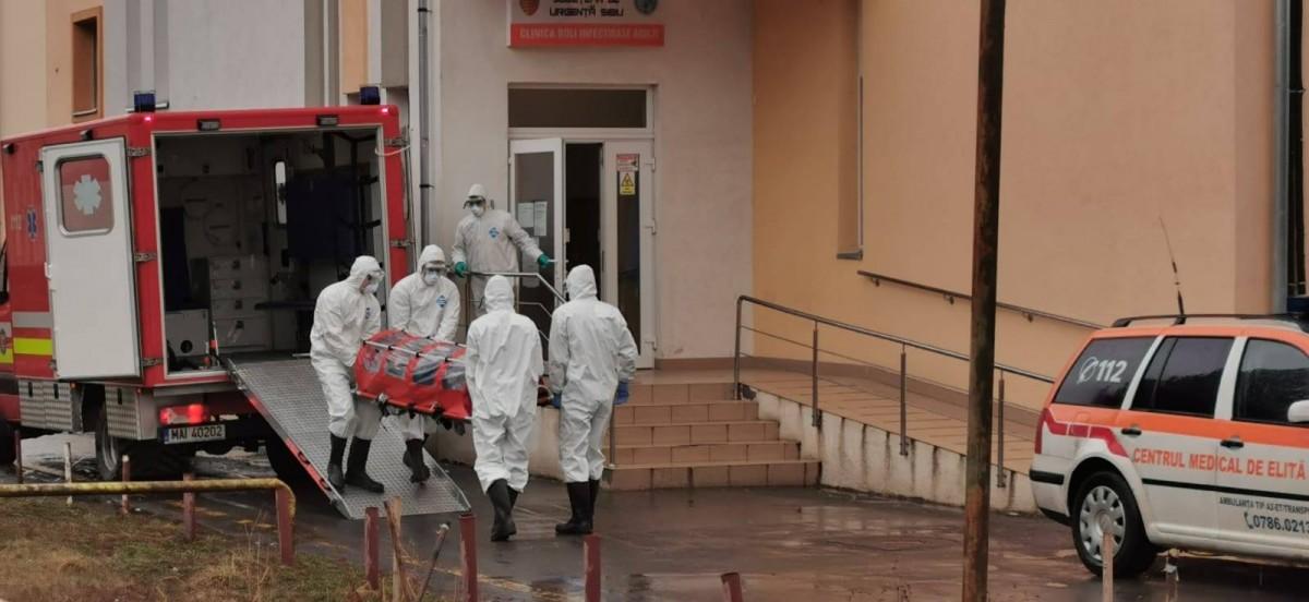 Coronavirus Sibiu: Suspect de infectare cu COVID-19, transportat astăzi la spital. Numărul internaților ajunge la 11