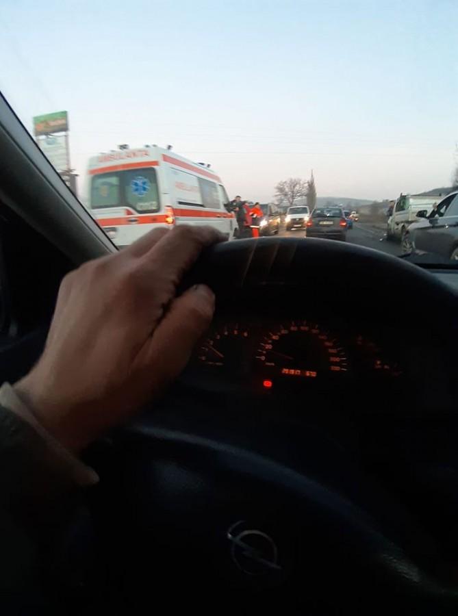 Accident la marginea Sibiului. Un copil de 6 ani este rănit