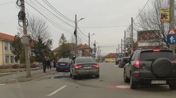 Accident pe strada Argeșului provocat de un șofer de 69 de ani