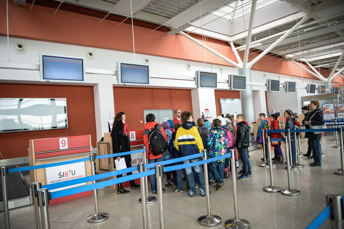 Cât de mulțumiți sunteți de aeroport și ce destinații noi v-ați dori? Chestionar lansat de Aeroportul Sibiu