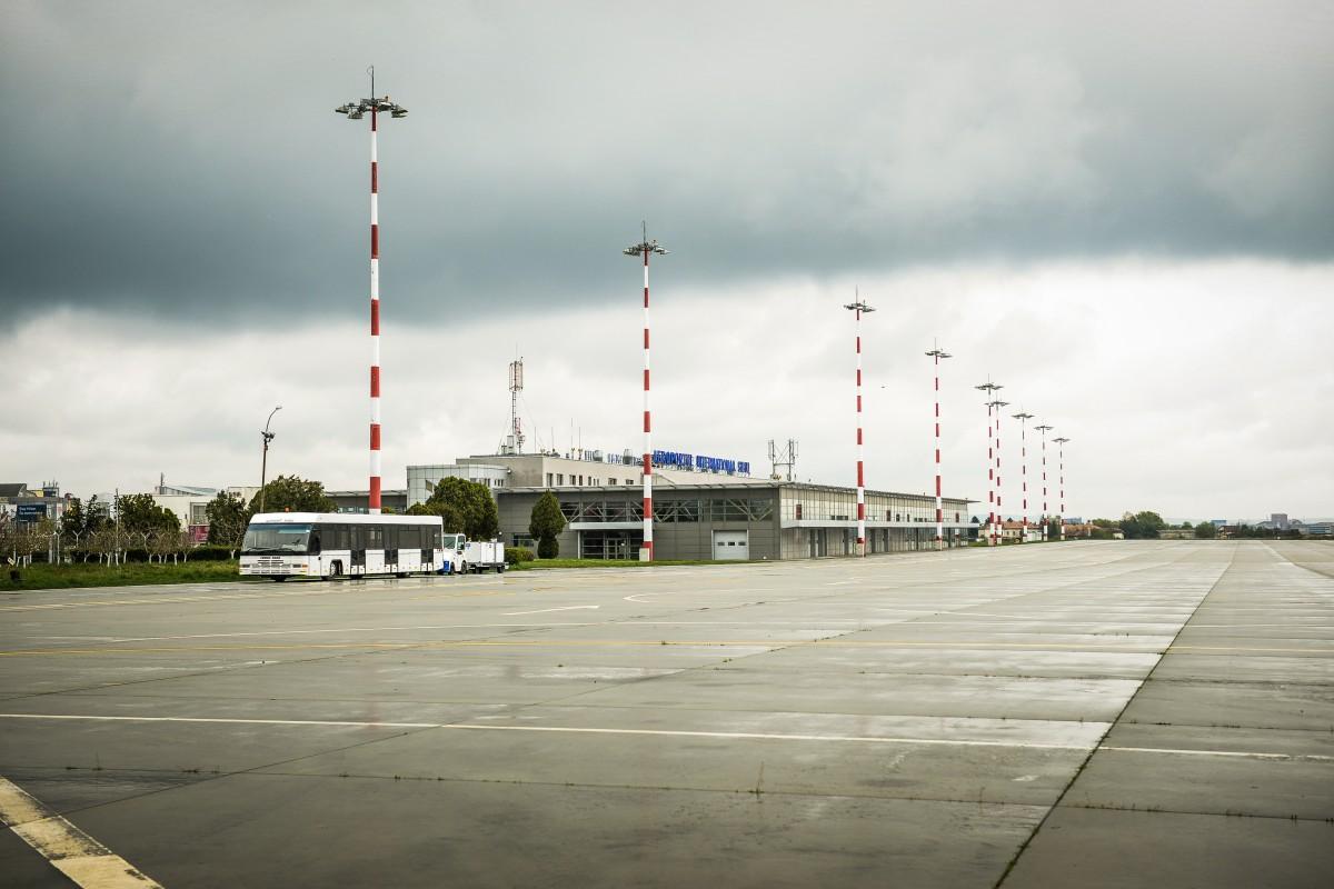 Probleme cauzate de ceață. Un zbor către Cluj a fost deviat spre Sibiu