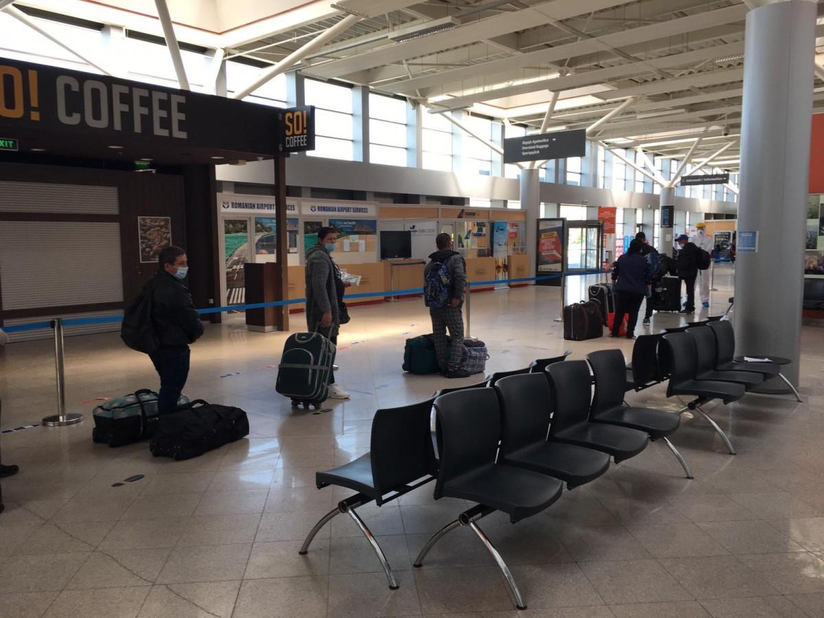 Dosar penal și amenzi în cazul sucevenilor carevoiau să plece în Germania de pe Aeroportul Sibiu