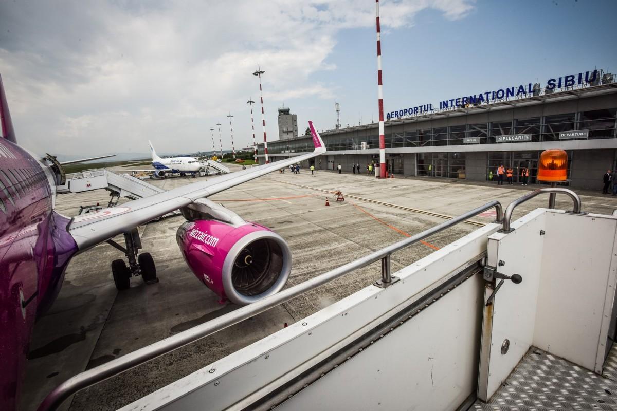 Un avion Wizz Air a lovit o pasăre la decolarea de pe Aeroportul Sibiu