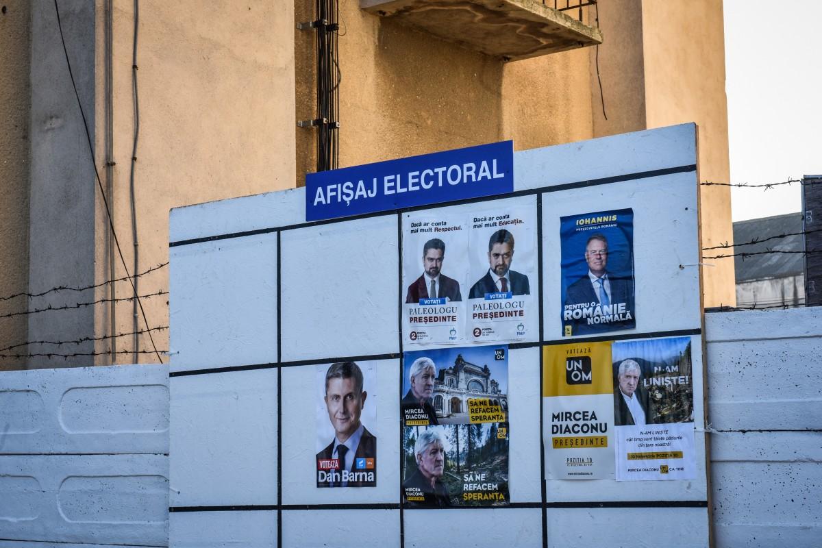Primăria din Poiana Sibiului, sancționată. Nu au avut suficiente locuri de afișaj electoral