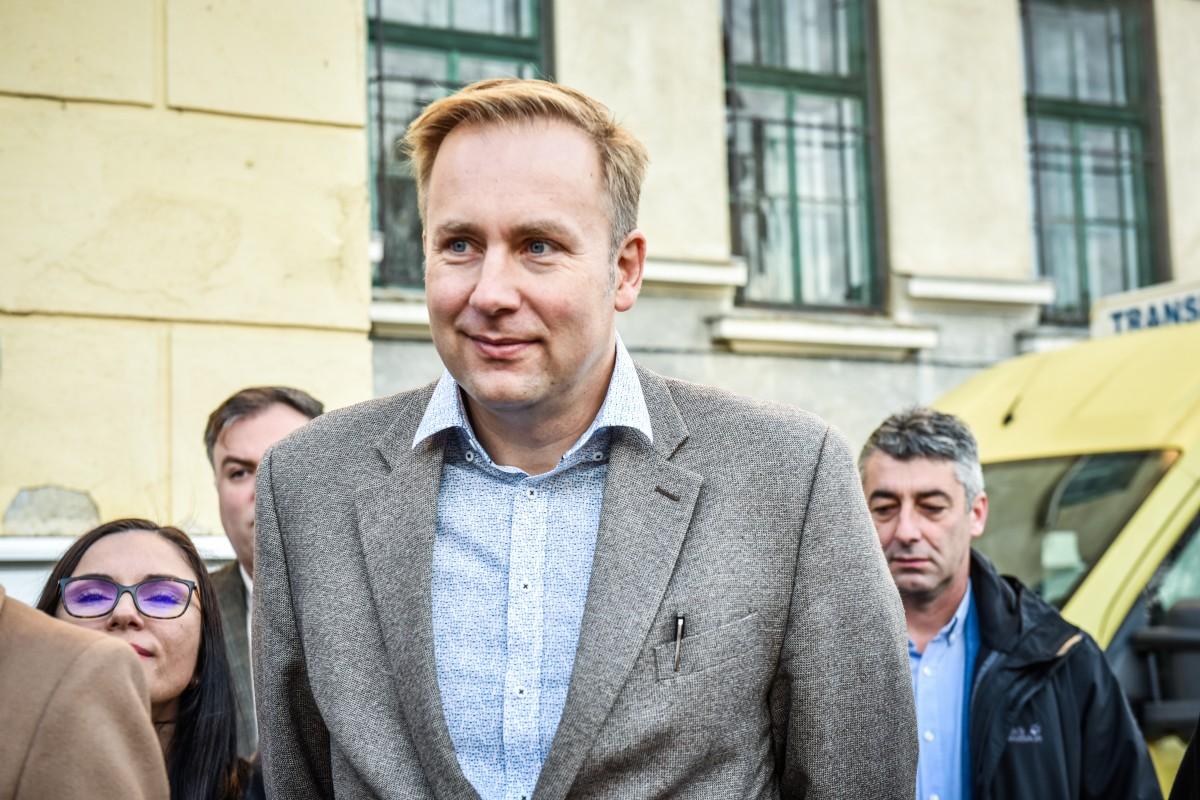 """Ministrul Sănătății a votat la Cisnădioara pe două buletine de vot. """"A fost o greșeală"""""""