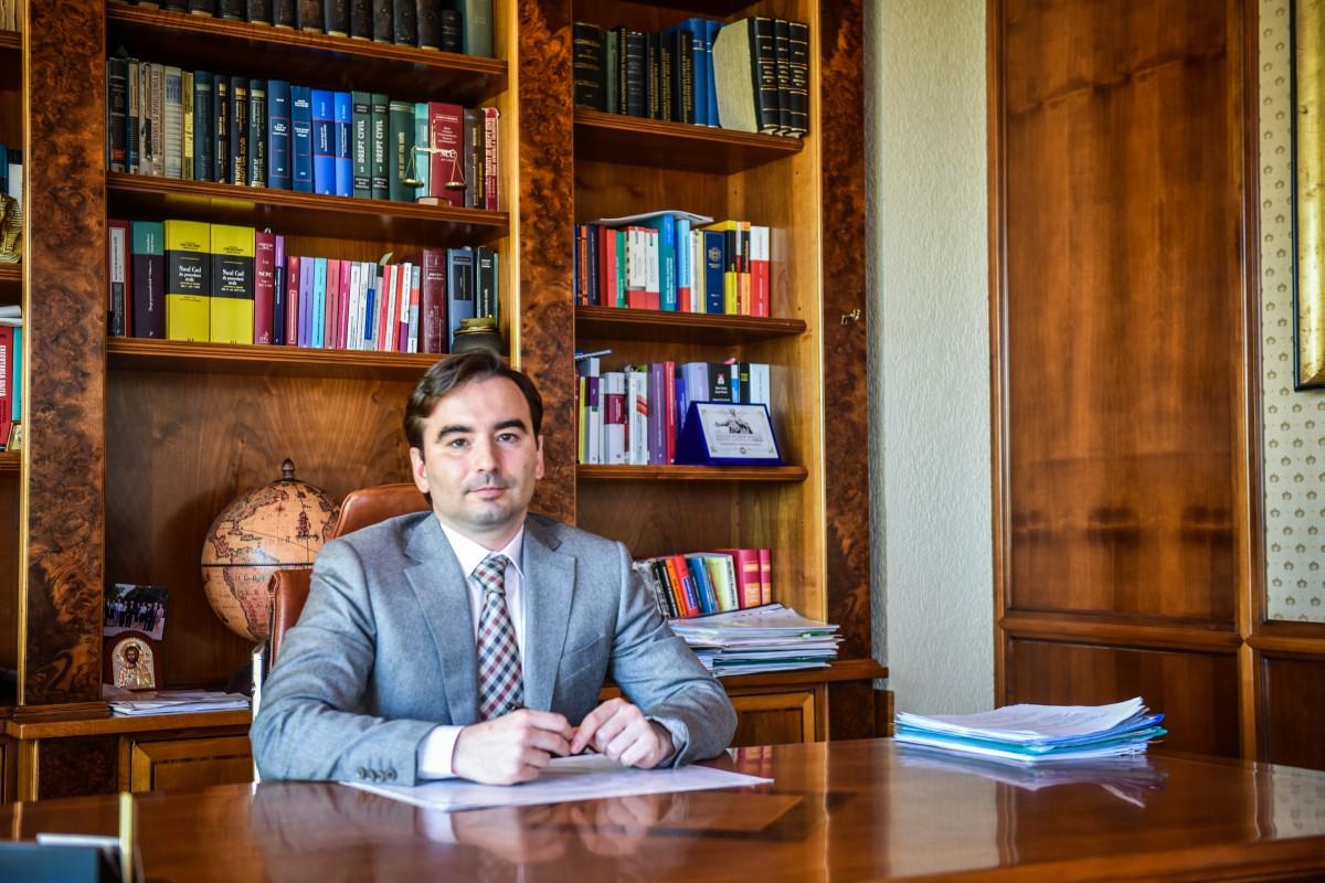 """Noul decan al Baroului Sibiu despre """"efectele"""" juridice ale coronavirsului: Companiile au început să facă solicitări pentru a lua măsuri referitoare la angajați"""