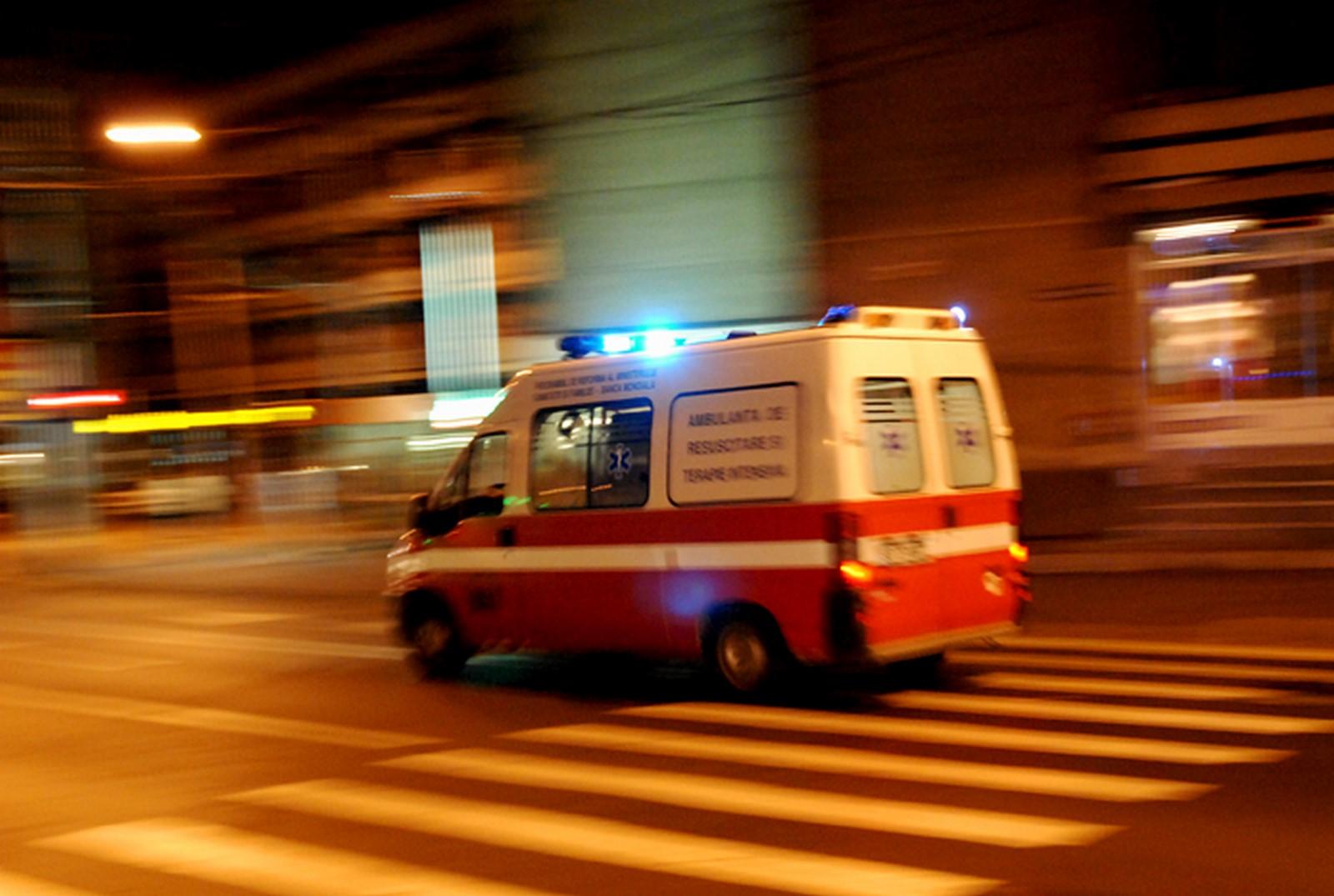 Biciclist lovit de mașină, în centrul orașului