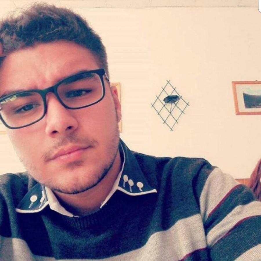 Un tânăr în vârstă de 19 ani are nevoie de ajutor. Viața lui costă 50.000 de euro