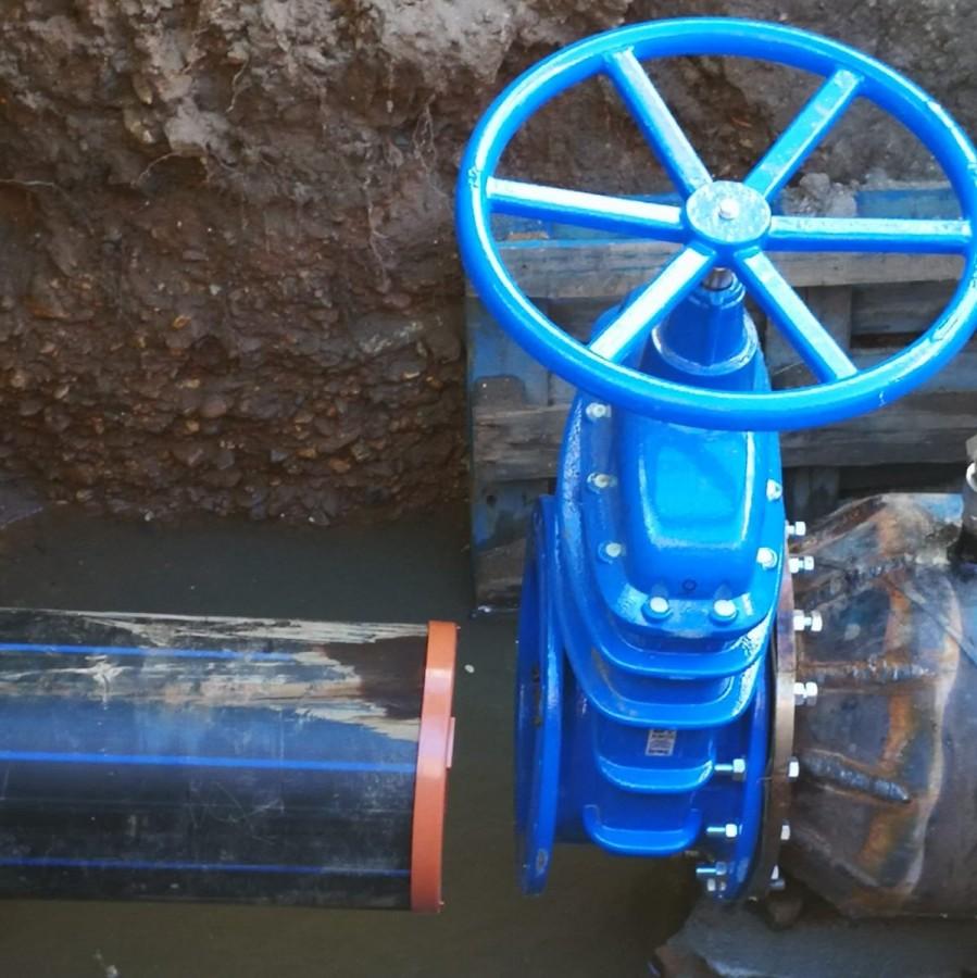 Lucrări de cuplare a noii rețele de distribuție a apei de pe strada Granitului