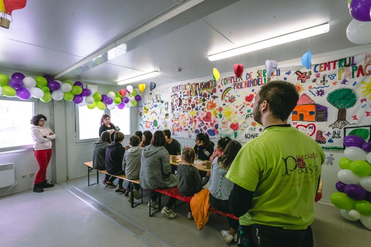 Asociația de Poveste caută voluntari pentru copiii din centrele de plasament