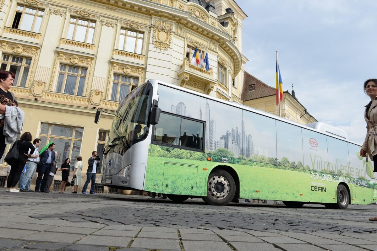 Primul contractpentru autobuze electrice în Sibiu: peste 25 de milioane de leialocate