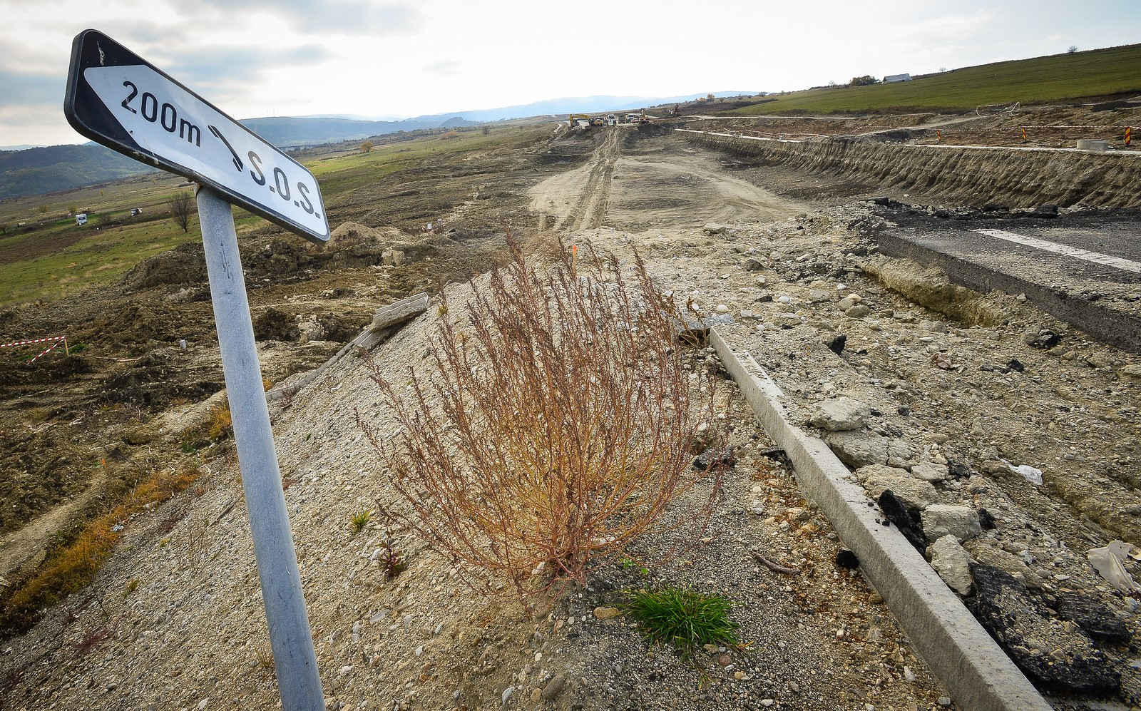 E oficial. CNADNR caută alt constructor pentru autostrada demolată. Să salveze bani, nu vieți