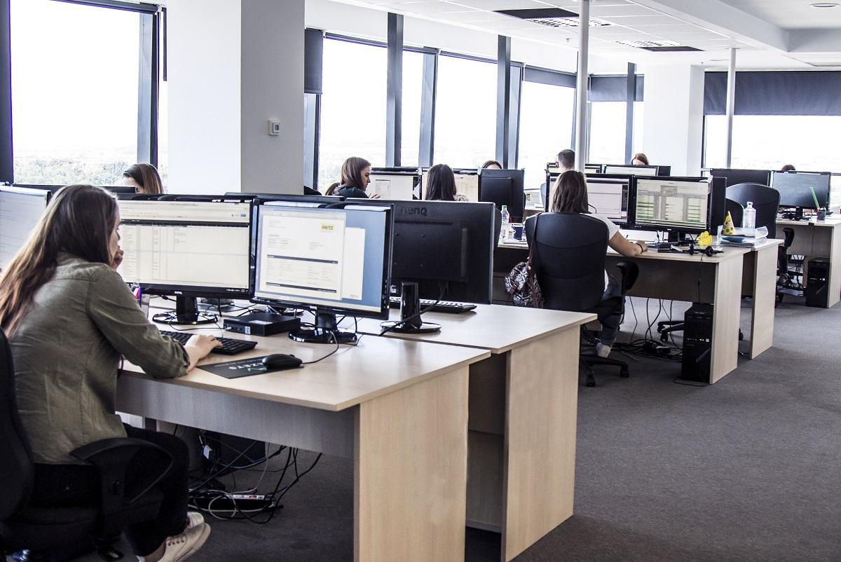 """Azets, cea mai mare firmă de servicii contabile din Sibiu: """"Am găsit aici oameni implicați și entuziaști"""" (P)"""