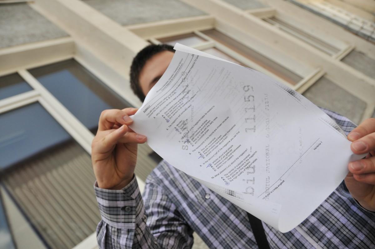 Povestea ascunsă a elevilor sibieni eliminați de la Bac pentru fraudă: suspiciuni de fals, reguli încălcate, procese așteptate
