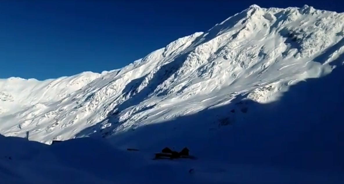 VIDEO. Peisaj de povești la Bâlea Lac. Riscul de avalanșă se menține ridicat