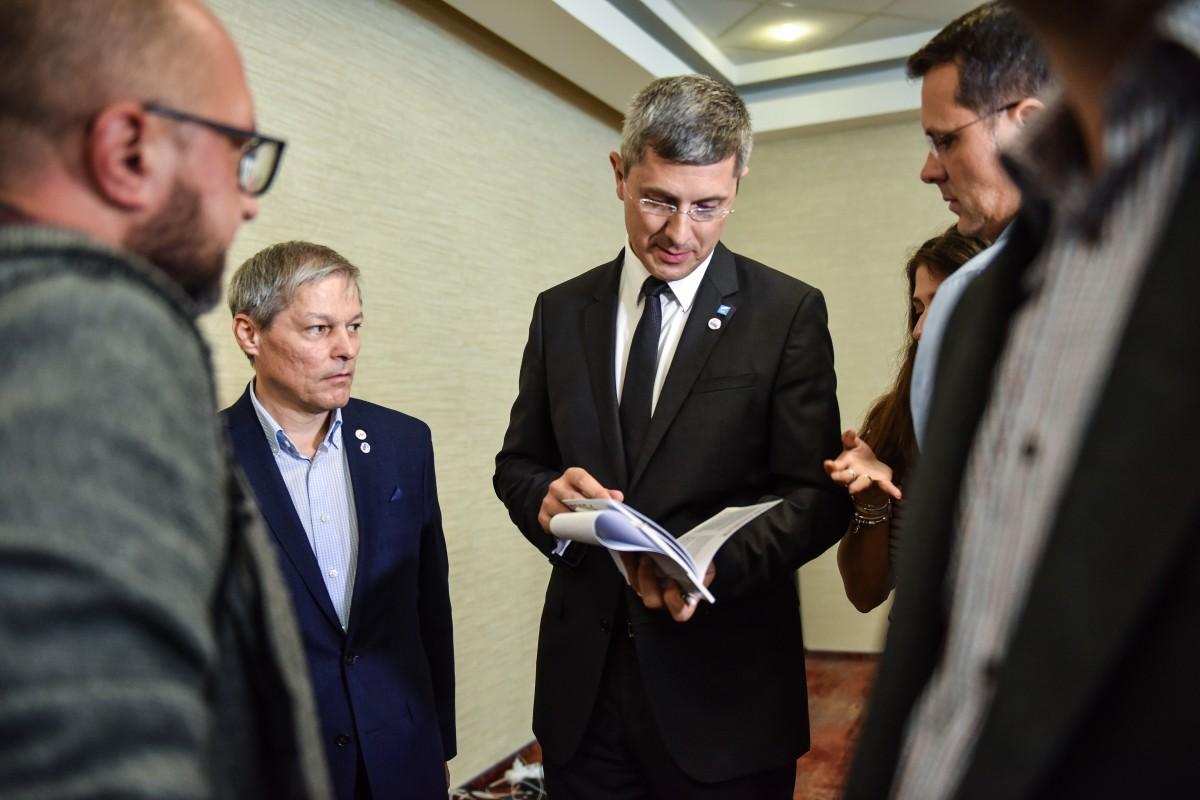 Dan Barna se lansează în campania electorală la Sibiu. Alături de Dacian Cioloș. Ce le promit aceștia românilor