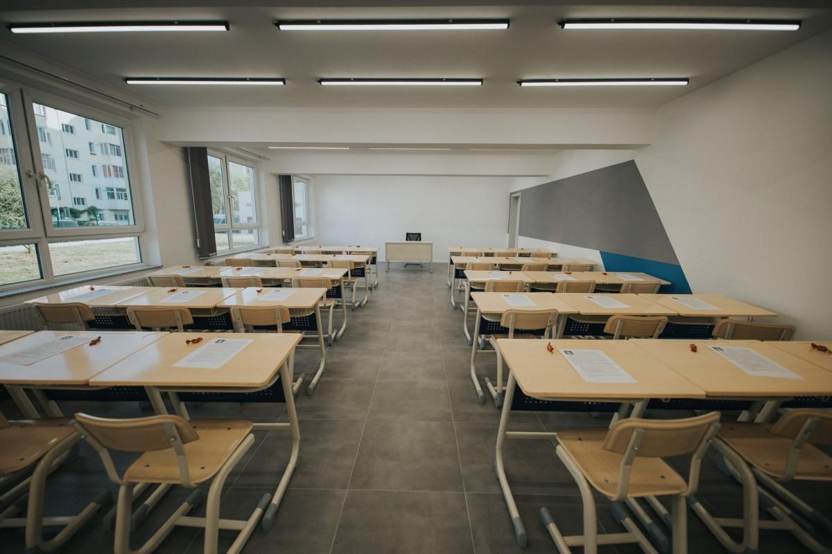 FOTO Cum arată un liceu din Sibiu după modernizare: investiție de 70.000 de euro