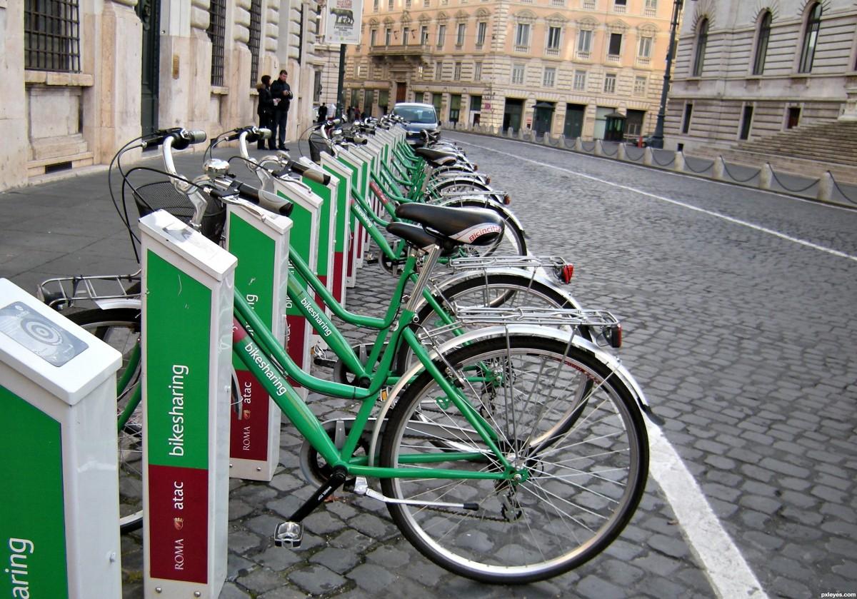 """""""Distribuția unitară a bicicletelor se va realiza noaptea"""". Cum a gândit Primăria sistemul de bike-sharing în Sibiu"""