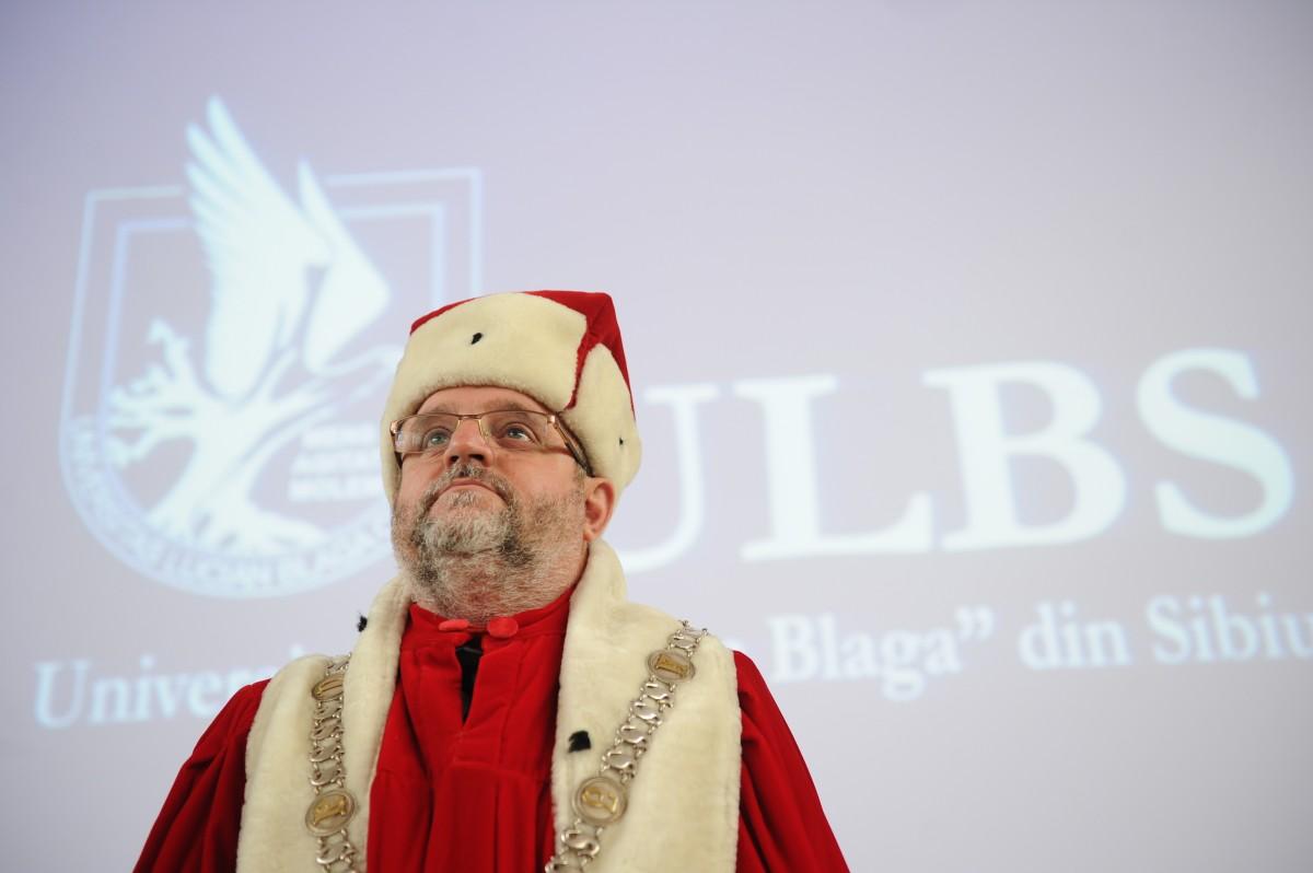 """Mesajului rectorului înaintea alegerilor din ULBS: """"Încrederea în Universitate se câștigă greu, dar se poate pierde ușor!"""""""